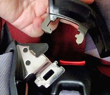 Автокресло, ремни безопасности