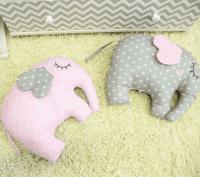 ByTwinz Комплект для круглой кроватки с игрушками Слоники розовые 7 предметов